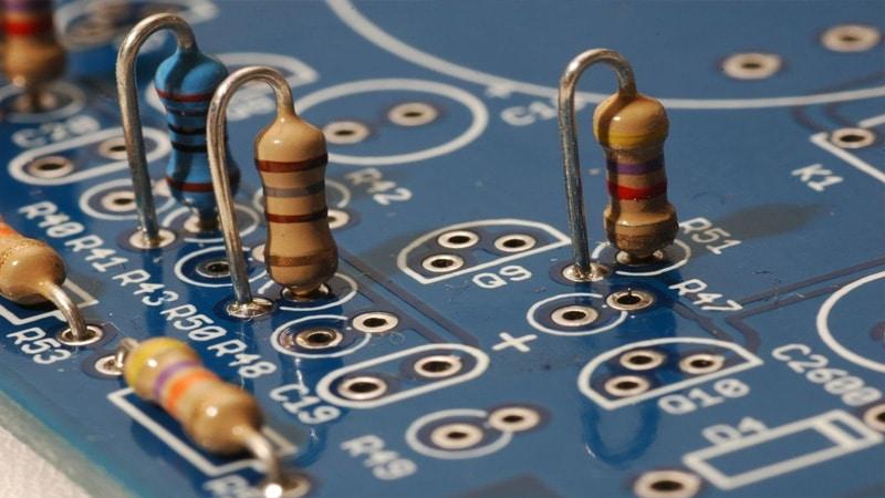 Цветная маркировка резисторов: определение сопротивления по полоскам