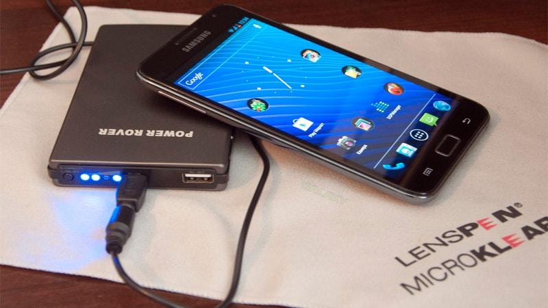 как называется переносная зарядка для телефона